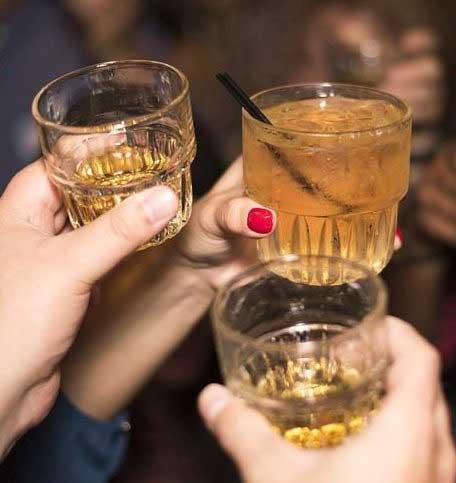 beber un whisky